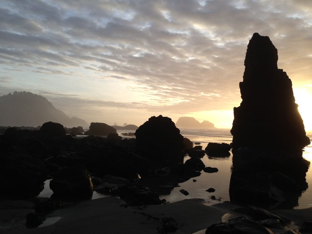 sunset at oregon tide pools